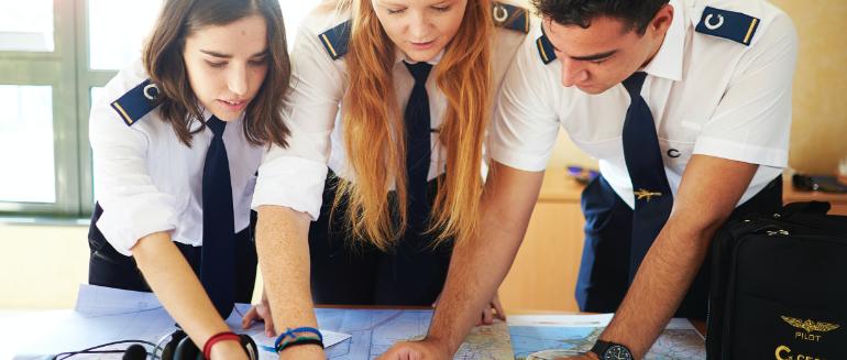 CESDA. ¿Cómo ser piloto de avión?